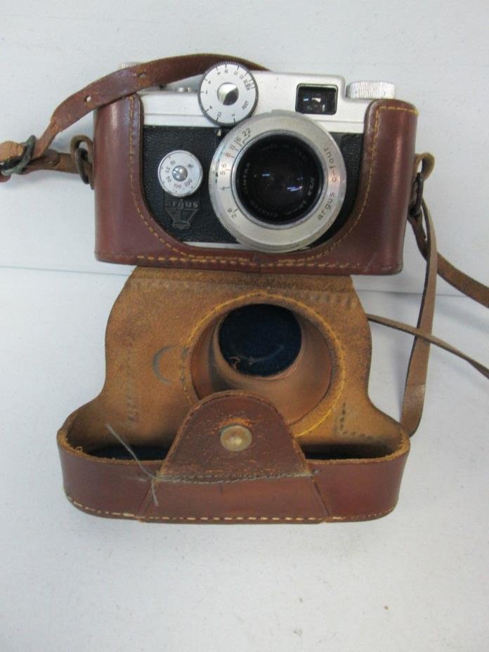Argus 15mm Lens Camera with Leather Case