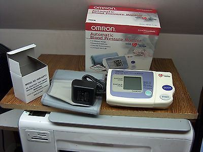 NICE OMRON HEM-711AC AUTOMATIC BLOOD PRESSURE MONITOR W/AC ADAPTER/INST MANUAL