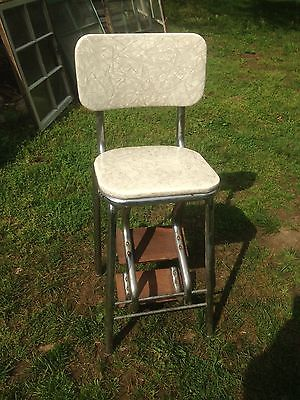 Vintage  Cosco 3  pull out Step Stool Kitchen bathroom  Garden art cracked ice