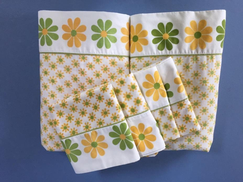 Vintage 70s Flower Power 2 King Flat Sheets & 4 Pillow Cases Pepperell DAISIES