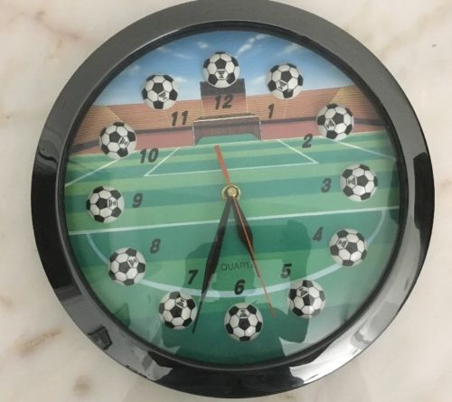 Kirch Socker Game Quartz Wall Clock