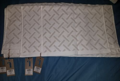 Fable Vienne Textured Bath Towel Set of 4 - Silver (New)