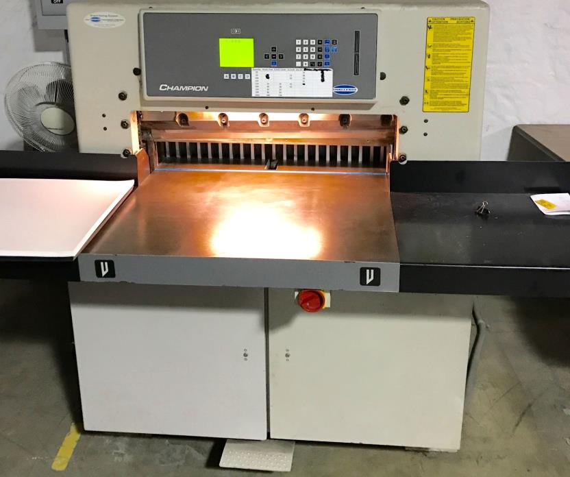2001 Challenge Champion 305 XD Hydraulic Progammable Paper Cutter 30-1/2