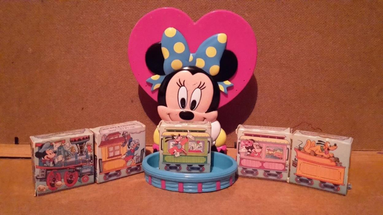 Minnie Mouse Soap Dish with 5 Mickey and freinds soaps