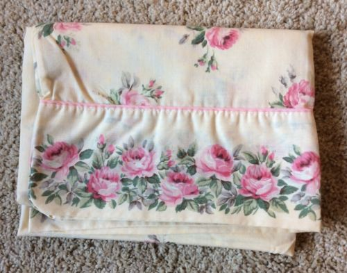 VTG Standard Pillowcase Lady Pepperell
