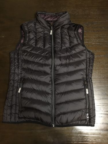 Tumi Pax Women's Black Vest/ Travel Pillow Size Medium
