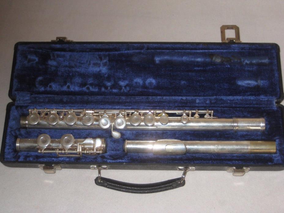 Vintage 2SP Gemeinhardt Silver Plated Flute With Hard Case