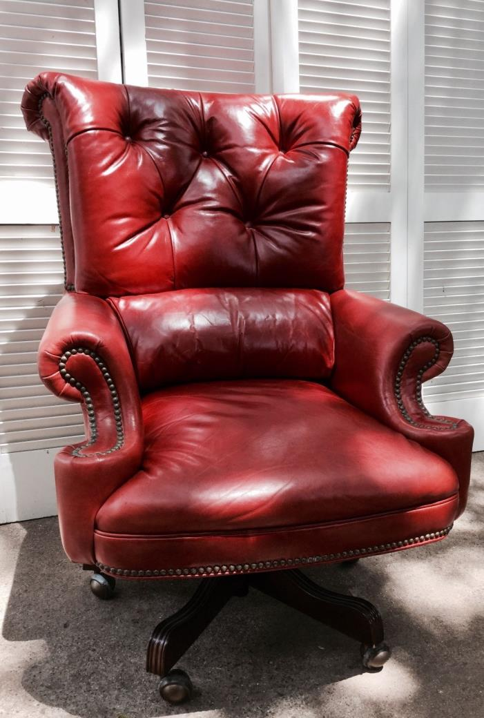 Vintage Leather desk chair tufted / Executive