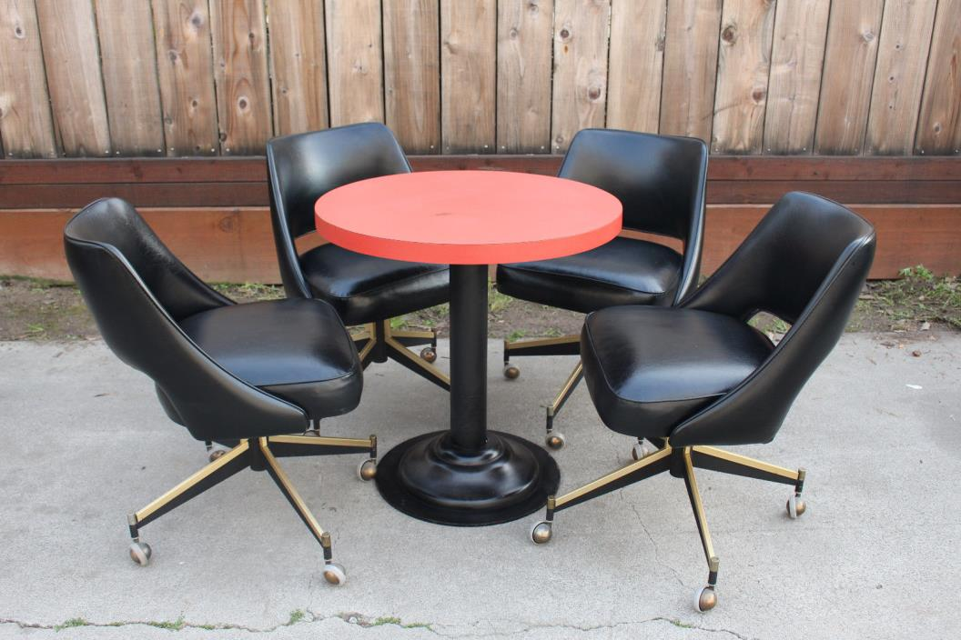 Mid Century Game Table w/4 Chairs