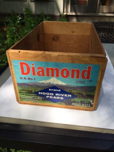 Diamond Fruit Growers Wood Crate Hood River, Oregon Pears 4/5 Bushel USA