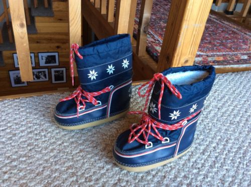 Nordic Igloo Winter Boots Navy Lace Up Kids Youth Size 10-12