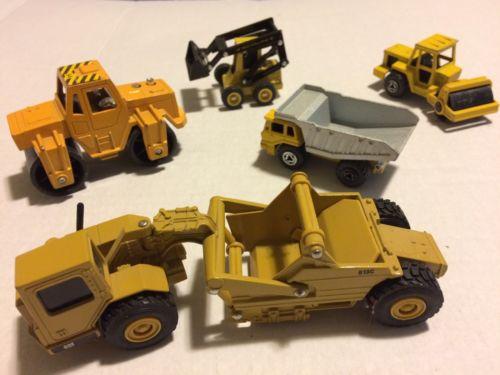 Ertl Tootsie Toy Majorette New Holland Construction Toys Lot 1/64