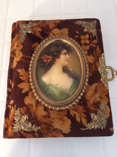 Absolutely Beautiful Antique Velvet Photo Album w/ Victorian Cameo Woman