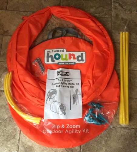 Outward Hound Zip & Zoom Outdoor Agility Kit 3 Obstacle & Training Tips Large