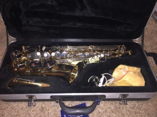 SELMER AS300 Alto Saxophone w/case