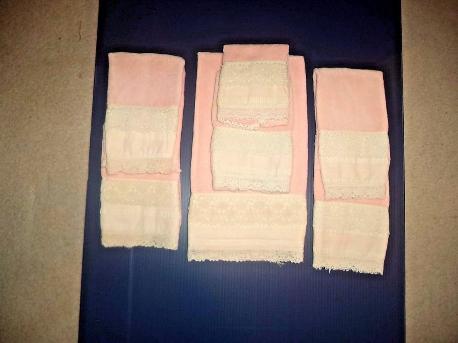 Household AVANTI Decorative Towels Peach with Cream Lace 7 Pc.