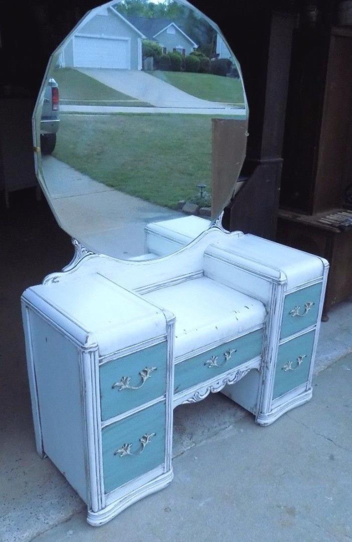 Shabby Chic Waterfall Dresser