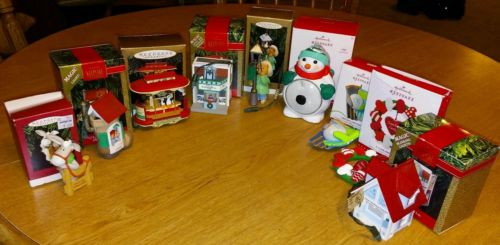 9 VINTAGE HALLMARK ORNAMENTS LIGHT UP BLINKING SCENE CHANGING CHRISTMAS ORNAMENT