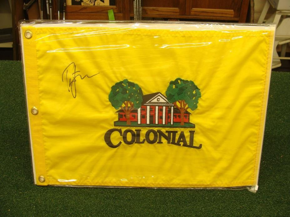 TIGER WOODS AUTOGRAPHED COLONIAL INVITATIONAL GOLF FLAG - FT. WORTH TEXAS