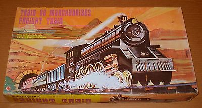 VINTAGE BATTERY OPERATED TRAIN SET ( A )
