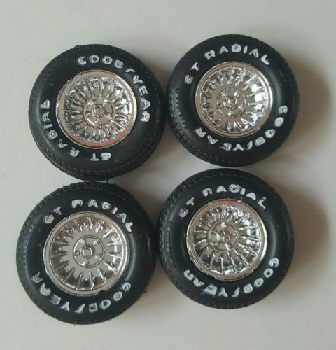 Chrome Hurricane wheels with white lettered tires 1:25 scale
