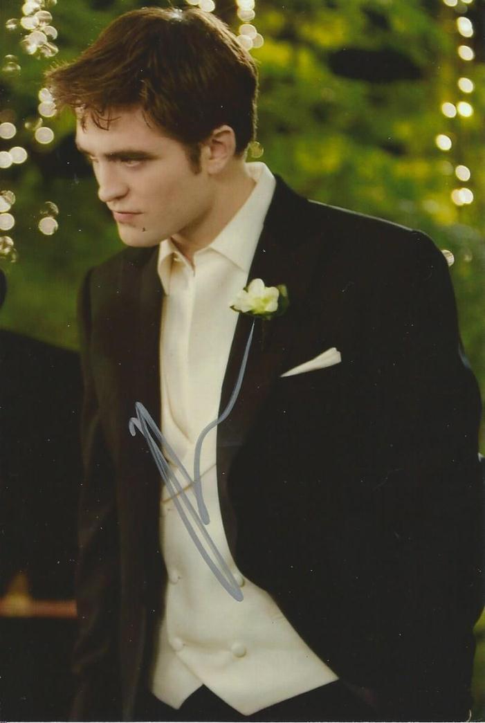 Robert Pattinson Autograph 4x6 Signed Photo 4 Twilight Weimaraner Rescue Charity