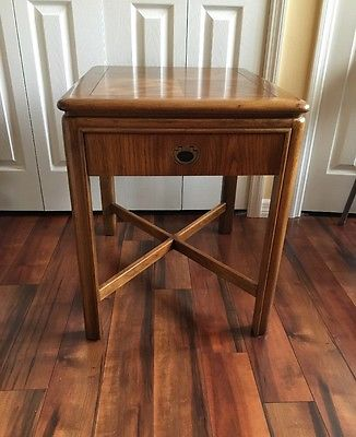 DREXEL END TABLE FROM DREXEL HERITAGE PASSAGE COLLECTION