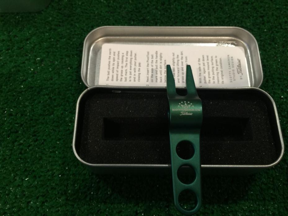SCOTTY CAMERON GREEN PIVOT DIVOT TOOL IN COLLECTOR TIN NEW! BRAND NEW!