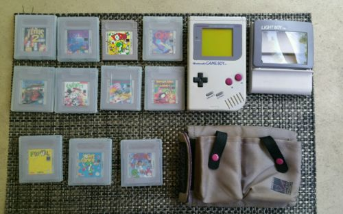 Nintendo Game Boy w Light Boy and 11 Games with Carry Case