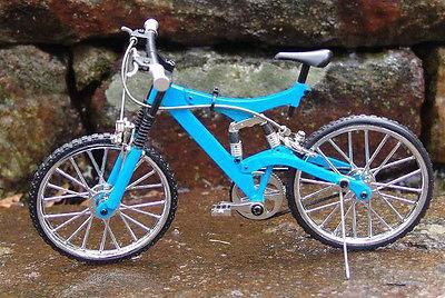Miniature Blue Mt Bicycle w/Shocks 1/10 Scale