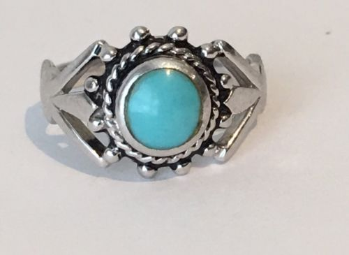 Vintage Southwestern Native Sterling Silver Turquoise Ring Size 8