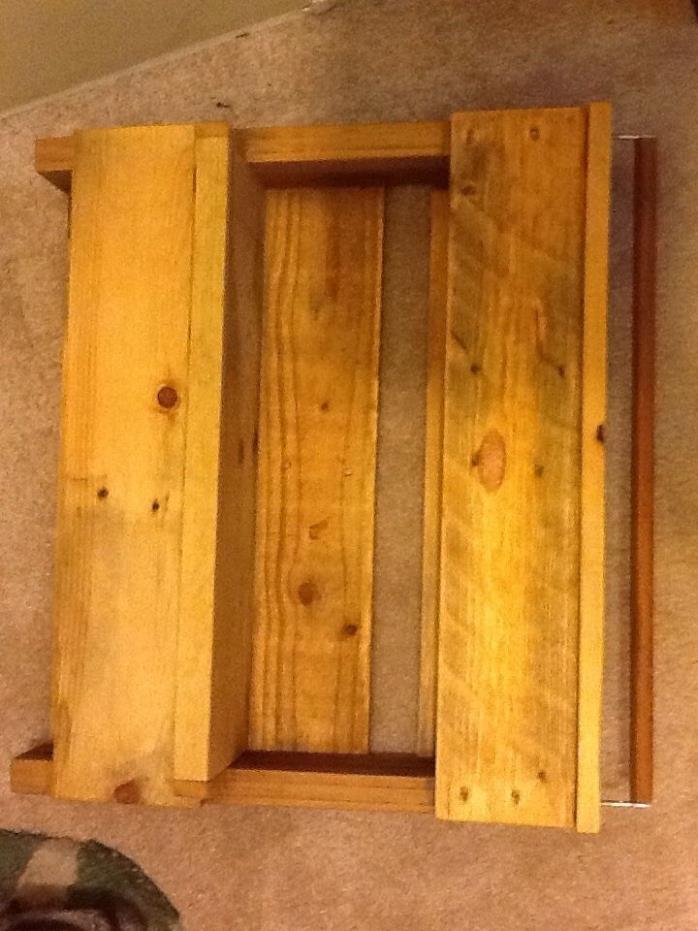 Gardening/storage shelving unit w/towel rack