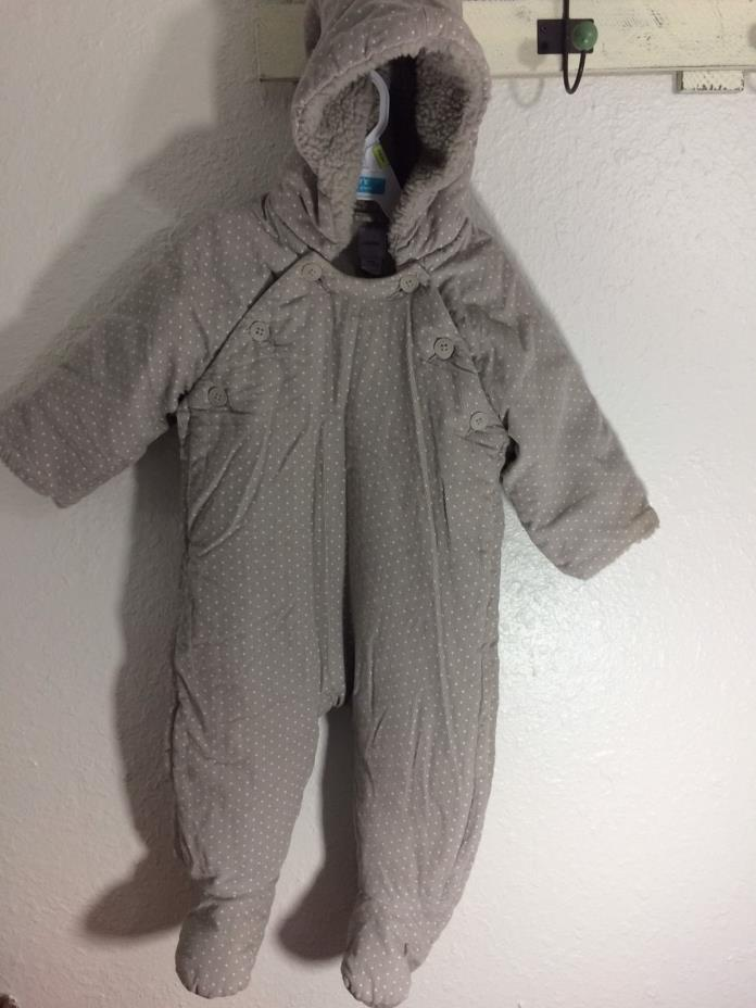 Baby Gap-Hooded- Bunting-Boy or Girl 6-12 months-white dot-side zip