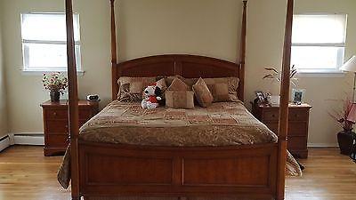 5 piect Thomasville bedroom set