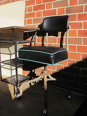 Vintage Industrial Steecase Swivel desk Chair