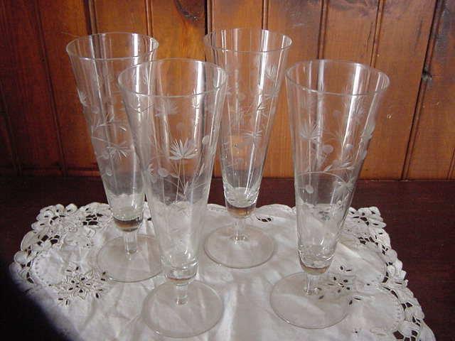 Vintage hand Crafted Floral Etched Pilsner Parfait Flute Glasses