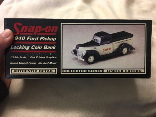 Snap On 1940 Ford Pick Up Truck Lovking Coin Bank 1.25 Scale