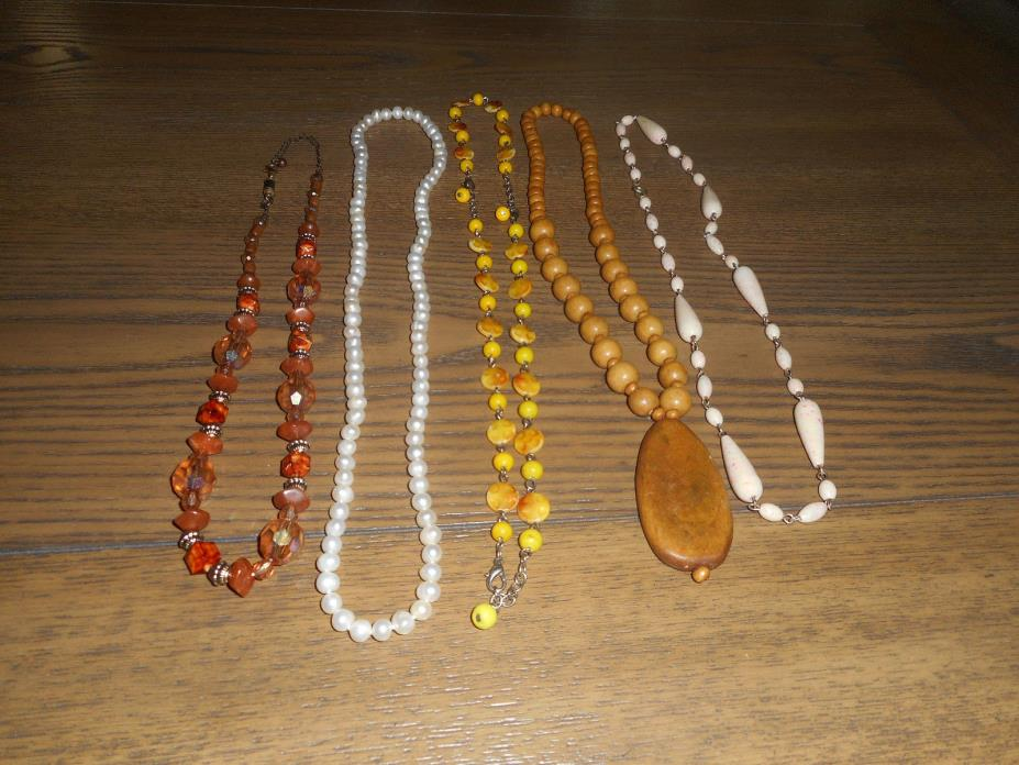 Lot of 11 beaded necklaces