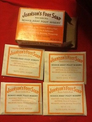 VINTAGE JOHNSONS FOOT SOAP BORAX-IODIDE-BRAN SOAKS AWAY FOOT PAIN 4 SEALED PACK
