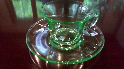 CAMBRIDGE GLASS 6 VASALINE GREEN GLASS CUPS & SAUCERS HALLMARKED (C)