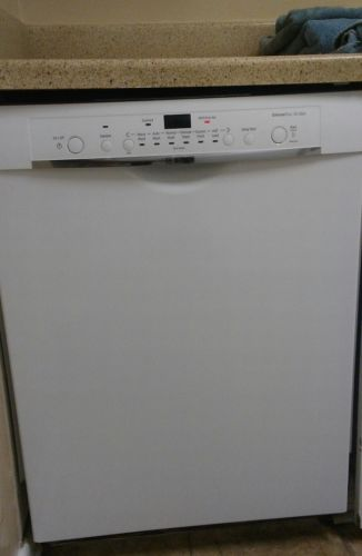 BOSCH SH3AR72UC/22 SilencePlus 50 DBA w/transferable 5 yr warranty dishwasher.