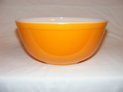 VINTAGE PYREX FRIENDSHIP SOLID PRIMARY ORANGE MIXING BOWL # 403   2-1/2 QUART