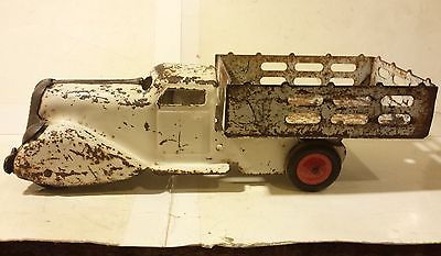 Wyandotte Meadow Brook Dairy Stake Truck Press Steel Toy 1940s