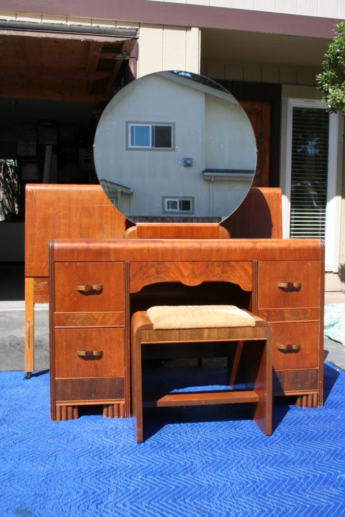 art deco bedroom set for sale classifieds. Black Bedroom Furniture Sets. Home Design Ideas