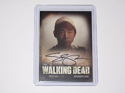 Season 2 The Walking Dead Autograph Card - A4 Steven Yeun (Glenn Rhee)