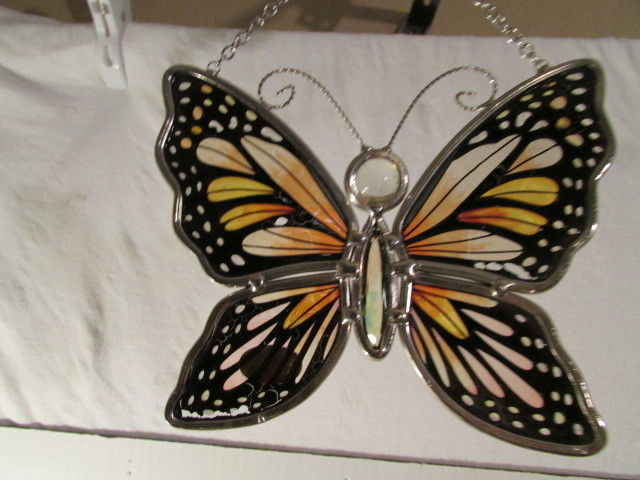 AMIA DENVER.CO HAND PAINTED STAINED GLASS SUNCATCHER EMPEROR BUTTERFLY