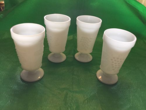 Footed TUMBLER Glasses~MILK GLASS~Grapevine~Set of 4