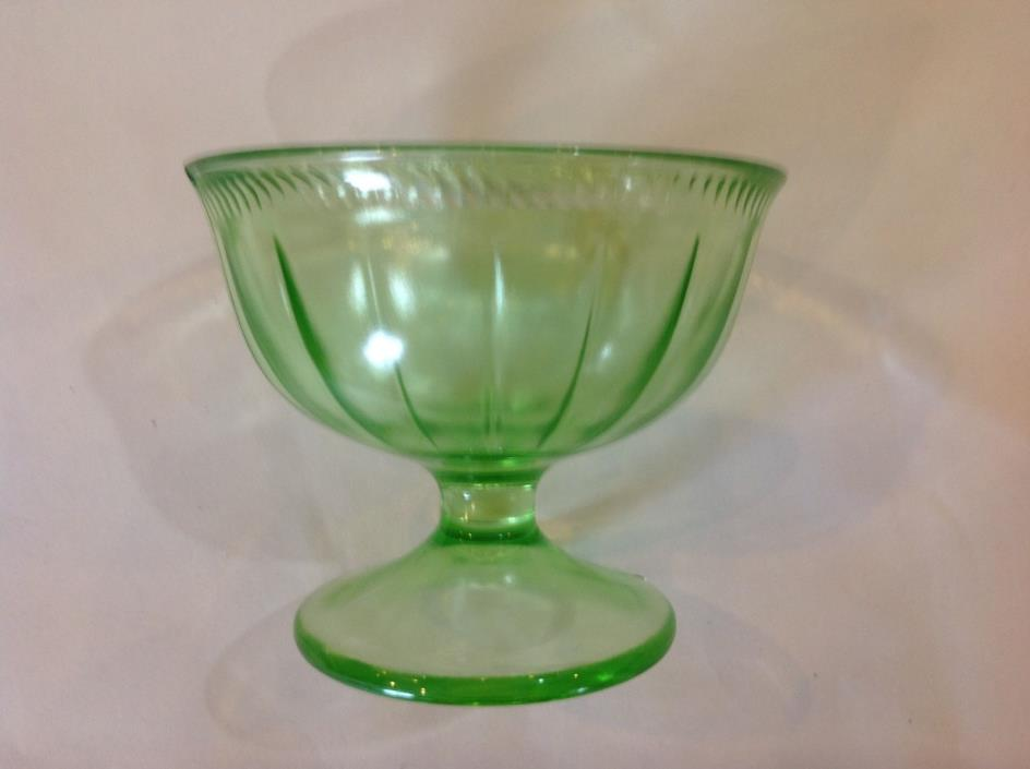 SET OF (7) FEDERAL GLASS GREEN DEPRESSION VASELINE URANIUM FOOTED PARFAIT GLASSE