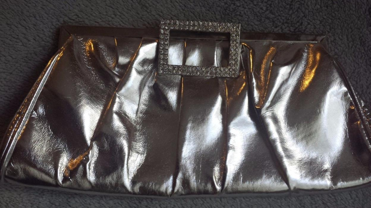 New-Womens Fashion Silver Patent Leather Party Clutch Bag with Chain, 8.5