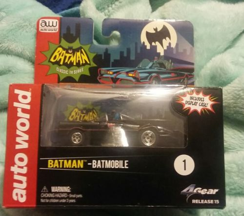 Auto World Batmobile w/Chrome Wheels! W/Display Case! Robin Included